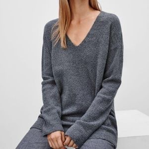 ARITZIA Wilfred 'Hénon' Grey Ribbed VNeck Sweater